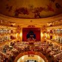 Театър на 100 години бе преустроен на библиотека в Аржентина