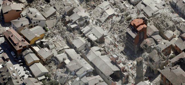 Кметът на Аматриче обеща дървени къщи на пострадалите от земетресението