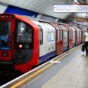 Лондонското метро вече работи и през нощта