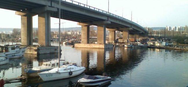 Ремонтът на Аспаруховия мост във Варна продължава през пролетта