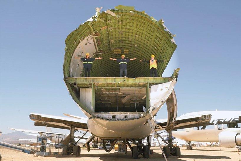 converted-boeing-747-burning-man-big-imagination-designboom-03