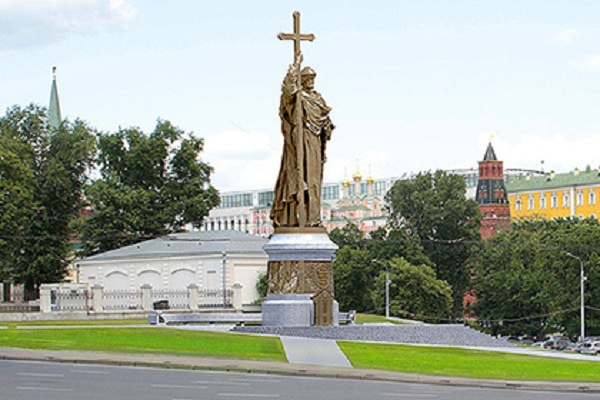 moscow-statue-kniaz-vladimir-01