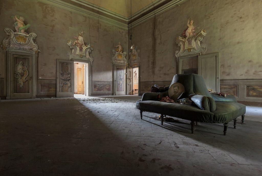 eleonora-costi-abandoned-buildings-02