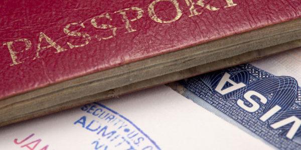 САЩ затягат проверките за издаване на визи в България