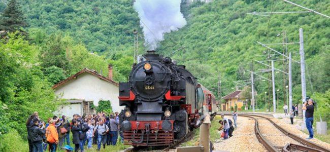 Ще има ретро железопътни пътешествия за Лазаровден и Цветница