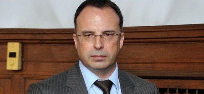 Земеделският министър обещава продължаване на дебата за двойните стандарти при храните