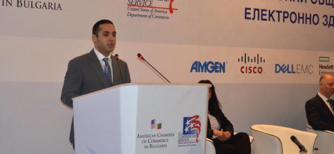 Икономическият министър: Електронното управление е стратегически приоритет за България