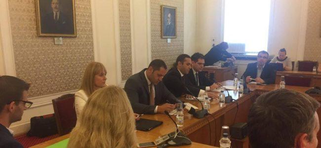 Икономическият министър: Работим в подкрепа на малките и средни предприятия