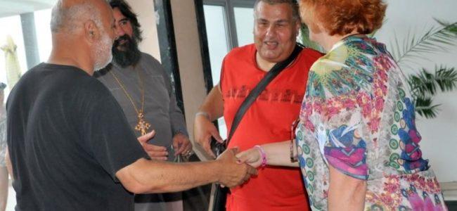Общината в Несебър се извини на нападнатите незрящи туристи