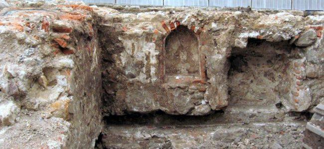 Фандъкова: 1/2 млн. лева са вложени в реставрацията на Триъгълната кула от крепостната стена на Сердика