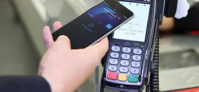 Проучване: 70% от младите хора искат да плащат със смартфона си