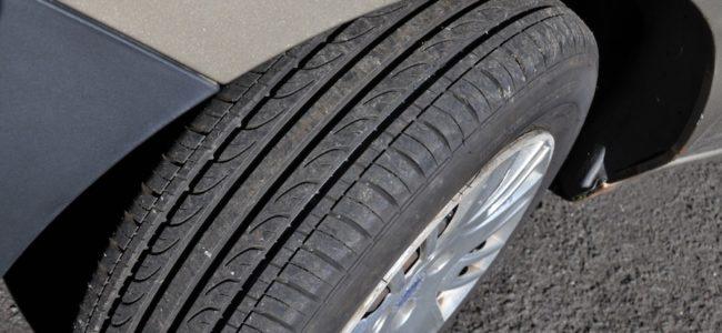 Сайтове за продажба на автомобилни гуми спестяват задължителна информация