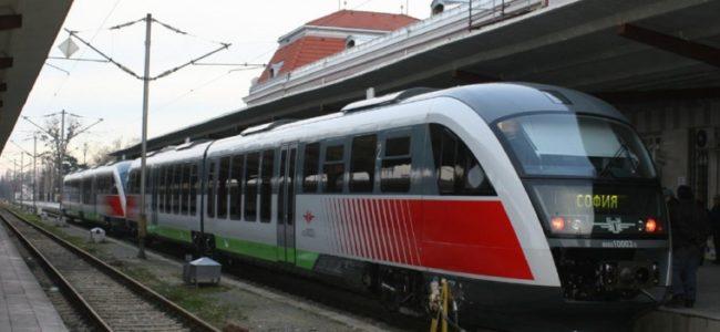 БДЖ продава предварително билети за влаковете до морето през лятото