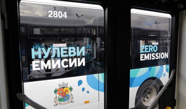 Първите 20 електробуса вече се движат по две линии в София