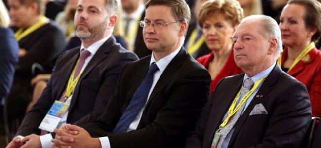 Еврокомисар: България ще влезе в еврозоната най-рано през 2022 г.