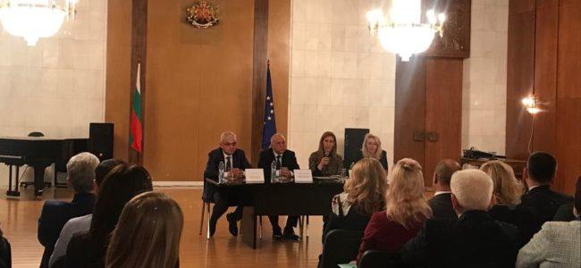 Николина Ангелкова събра руски туроператори в Москва