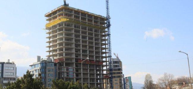 """Регионалният министър: При сградата """"Златен век"""" има неизпълнение на дейности"""