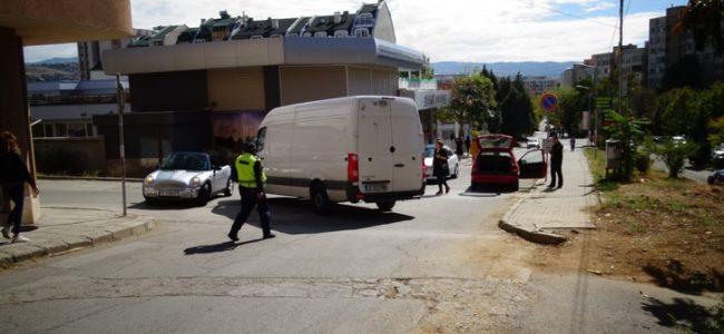Данъчни провериха превозите между София и Перник