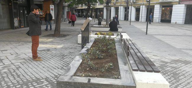 """Премахнаха ремонтните заграждения от площад """"Гарибалди"""""""
