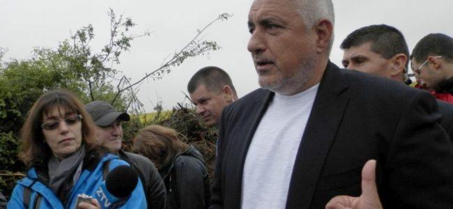 """Борисов инспектира изграждането на участък от магистрала """"Хемус"""""""