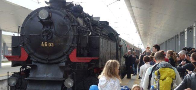 БДЖ пуска локомотива Баба Меца между София и Банкя