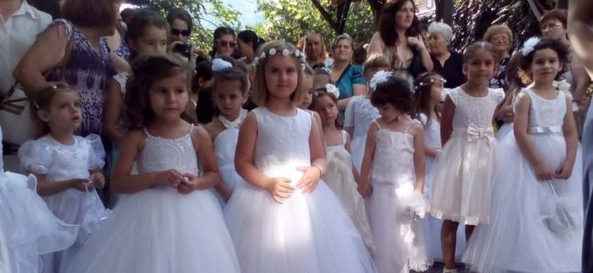 Малки момичета ще украсят 100-годишен празник в Асеновград