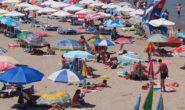 100 000 туристи по-малко са дошли в България през юни